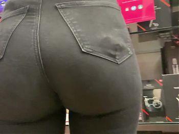 Shopping (Sexy Jeans Ass)