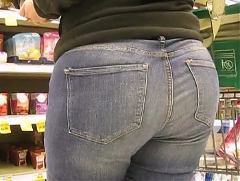 A BUNCH OF MILF BOOTY