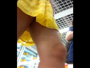 upskirt sexy teen in yellow dress