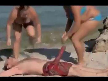 beach hotties tricked by drowned large penis