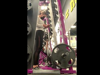 LATINA WITH A PERFECT BODY, TIGHT AF, WORKING OUT