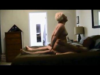 Amateur milf gets fucked on hiddencam